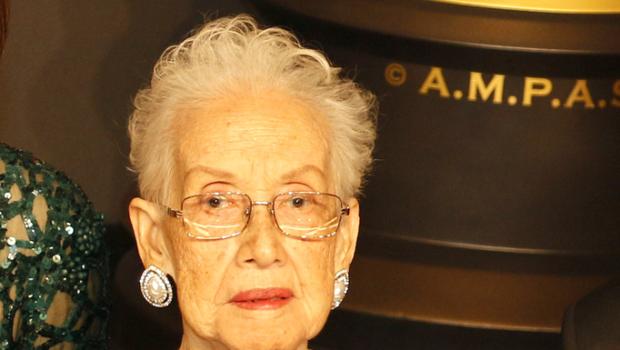 "Katherine Johnson – NASA Mathematician, Depicted In ""Hidden Figures"" Dies [Condolences]"