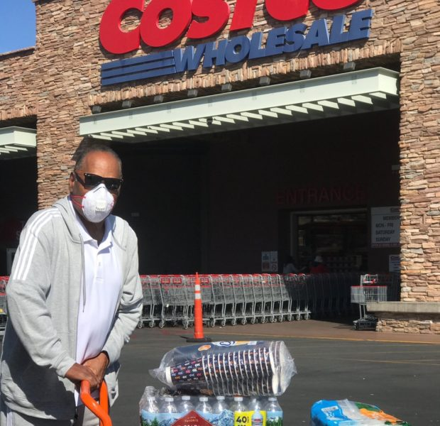 O.J. Simpson Wears Mask In Response To Coronavirus [Photos]