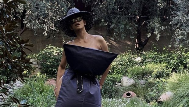 Halle Berry Takes On Pillowcase Challenge, Poses w/ Nothing But Pillowcase, Heels & Hat