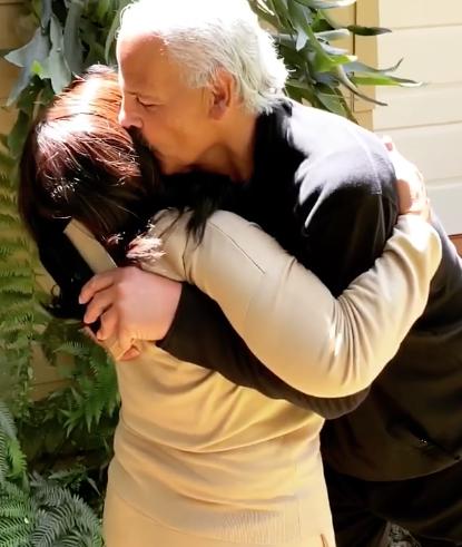 Oprah Reunites With Partner Stedman Graham After 14 Day Quarantine [VIDEO]