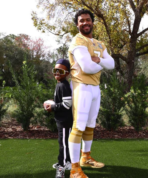 Russell Wilson Bonds w/ Stepson Future Over Football, Brags About His QB Skills: Young Star In The Making!