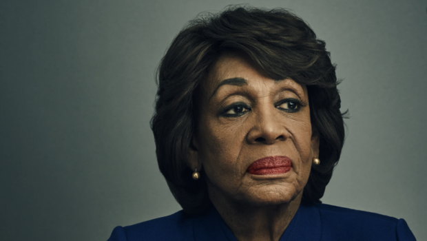 Rep. Maxine Waters Stops To Help Black Man Pulled Over By LA Police [VIDEO]