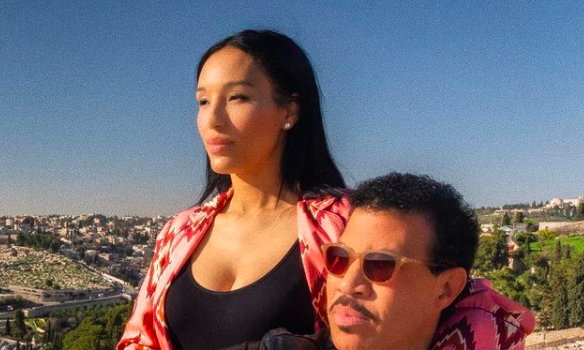 Lionel Richie, 71, Is Allegedly Dating A 30 Year Old