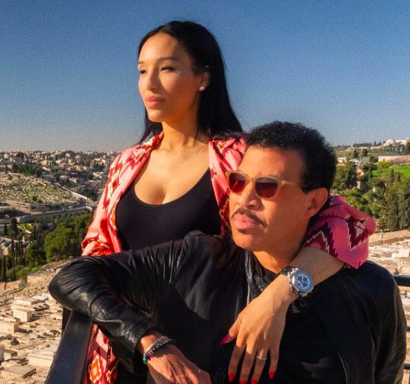 Lionel Richie's Girlfriend Appears To React To Criticism Of Their 40-Year Age Difference: You Have That Kind Of Time?