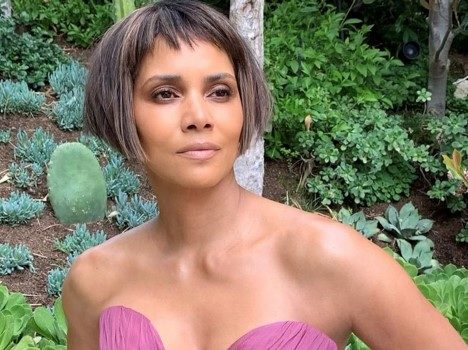 Halle Berry Dons New Hairdo At Oscars & The Internet Reacts [PHOTOS]