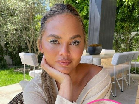 Chrissy Teigen's Cookware Line No Longer On Macy's Website Amid Courtney Stodden Controversy, 2nd Retailer To Seemingly Drop Brand